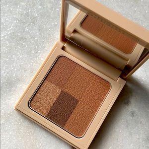 ✨NIB✨Bobbi Brown Nude Finishing Powder
